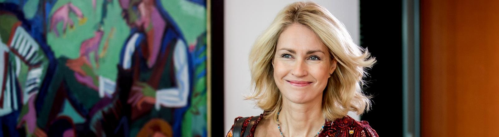 Manuela Schwesig auf dem Weg zu einer Kabinettssitzung.