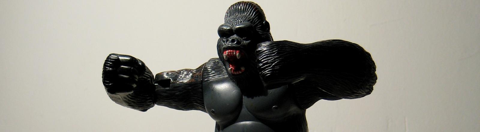 Ein brüllender Gorilla