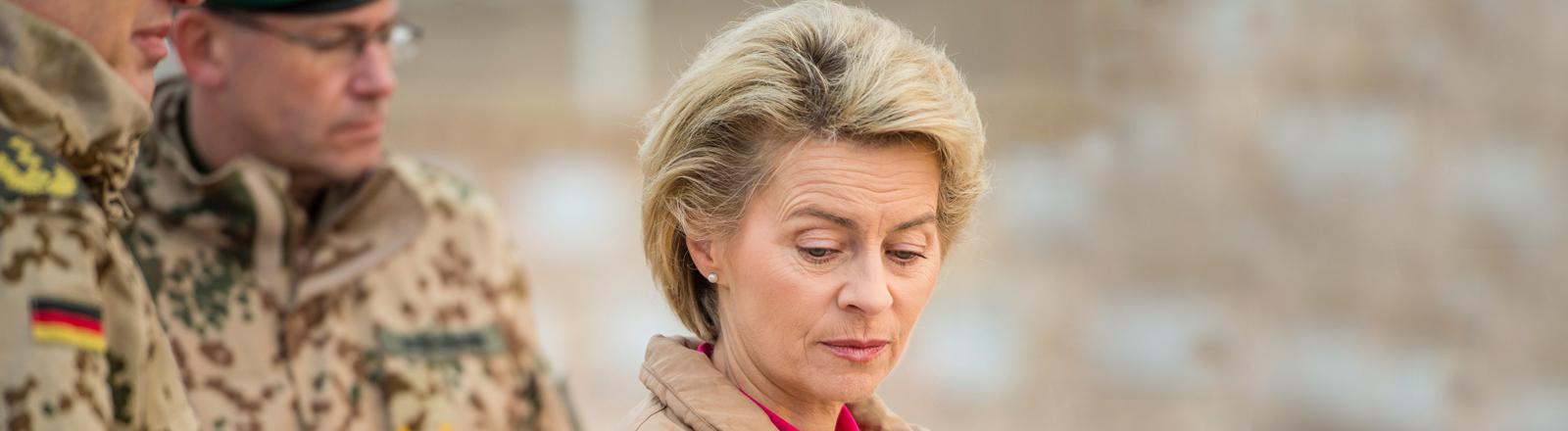 Ursula von der Leyen bei einem Bundeswehr-Besuch in Afghanistan