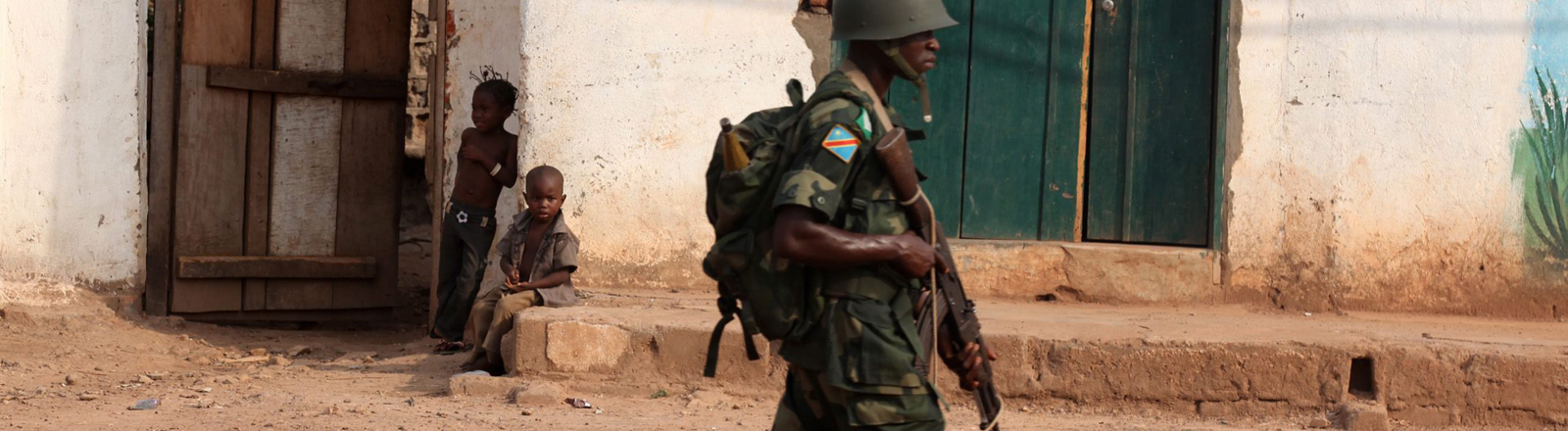 Ein Soldat der kongolesischen Armee in der zentralafrikanischen Stadt Bangui.