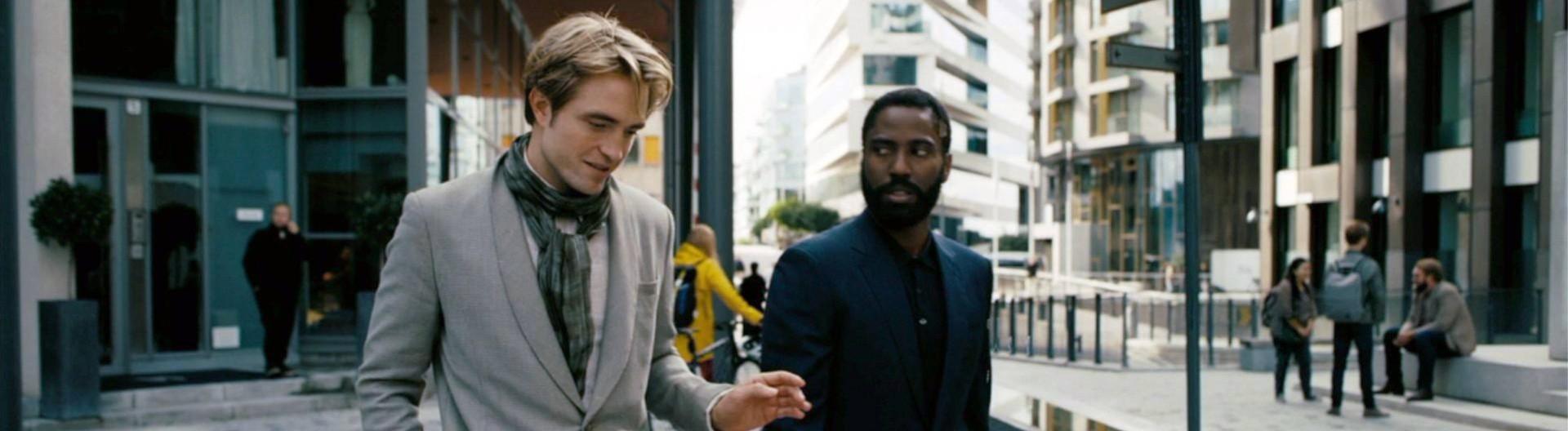 """Robert Pattinson und John David Washington in einer Szene aus """"Tenet"""""""