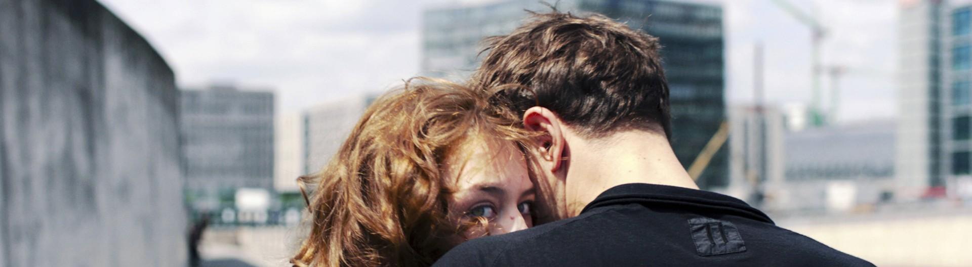 Szene aus Undine mit Paula Beer und Franz Rogowski