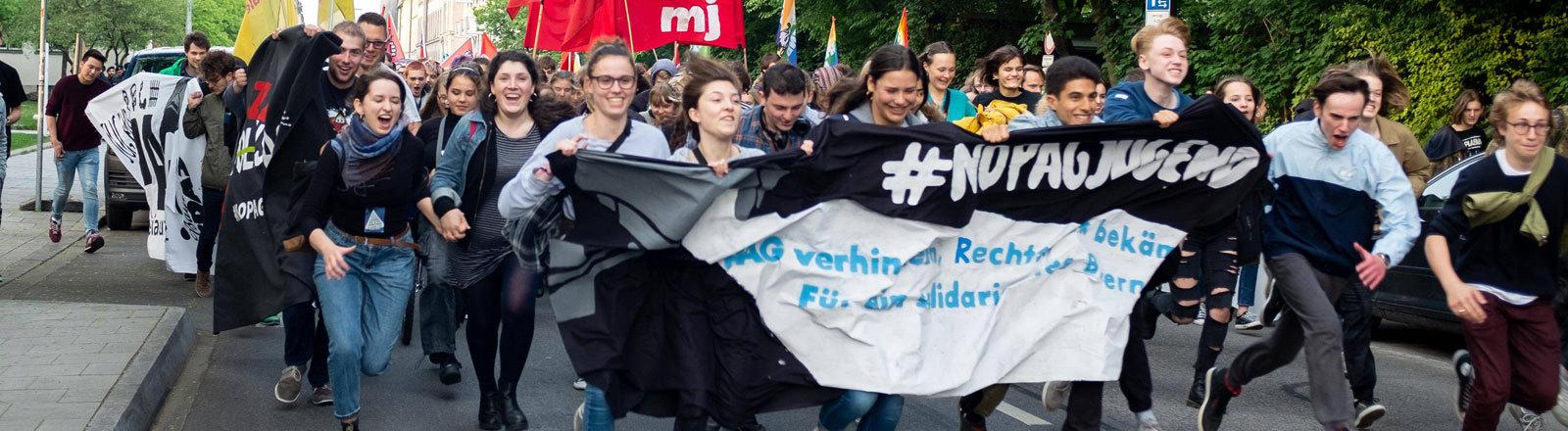 Jugend Jugendliche junge Erwachsene Bayern Polizeigesetz