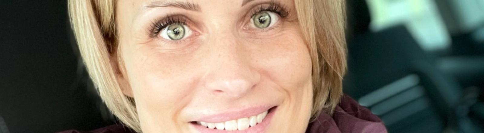 Alex musste ihr Kosmetik-Studio im November schließen.