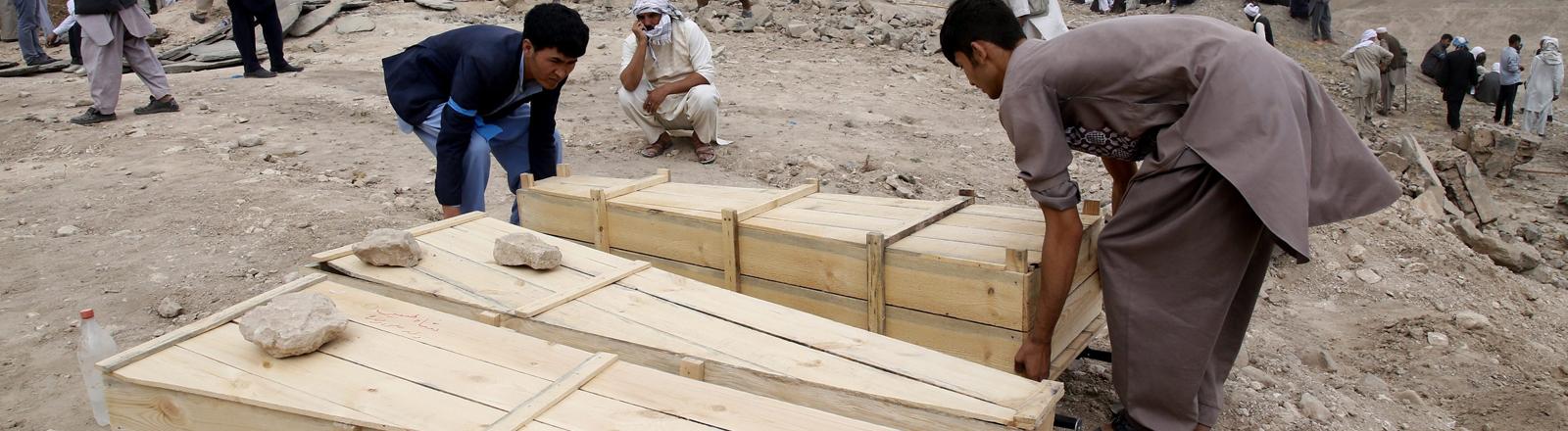 Begräbnis nach einem Selbstmordanschlag in Kabul