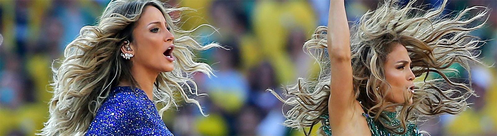 Jennifer Lopez und Claudia Leitte performen während der WM-Eröffnung 2014