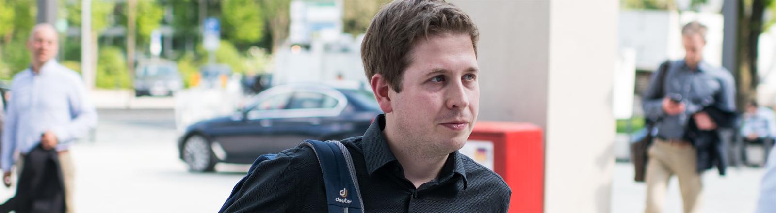 Kevin Kühnert im April 2018 in Wiesbaden