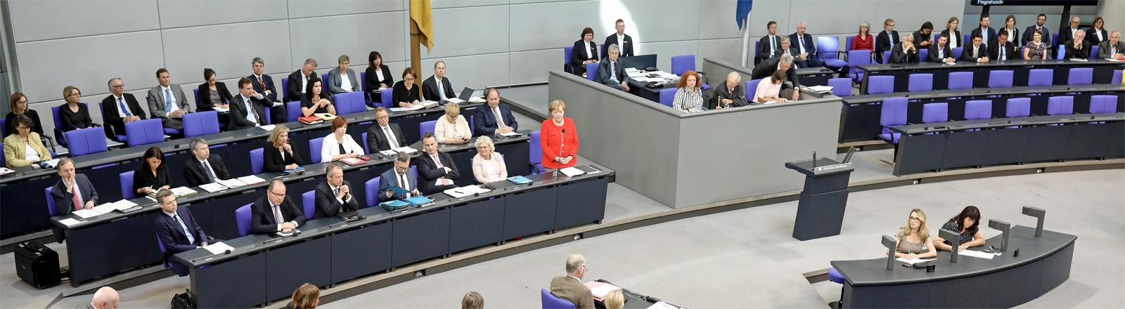 Angela Merkel bei der Befragung vor dem Bundestag am 6. Juni 2018