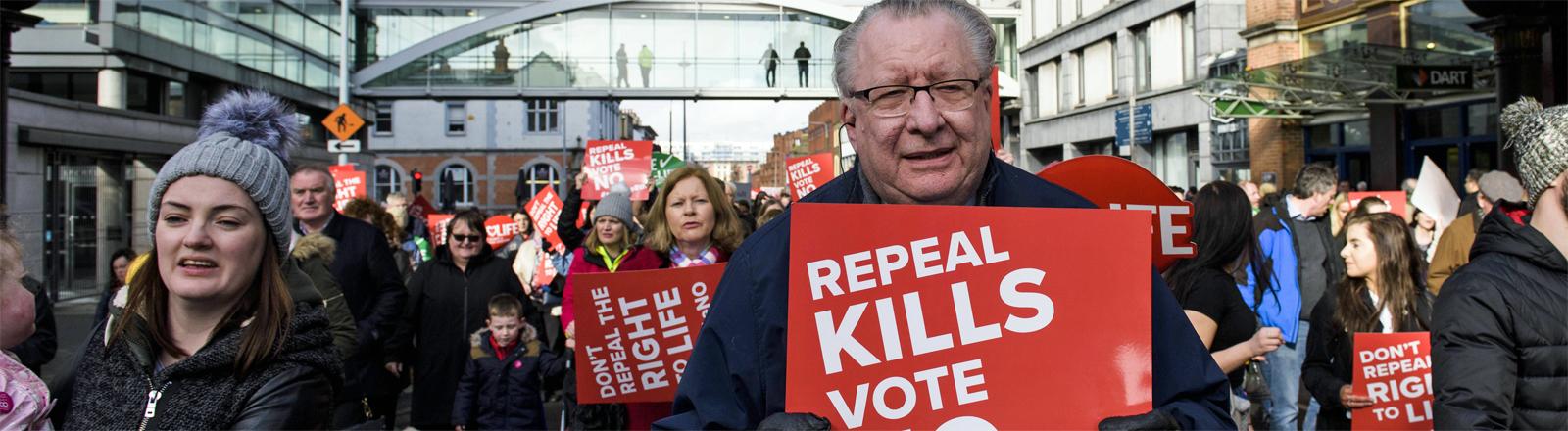 Abtreibungsgegner im irischen Dublin im März 2018