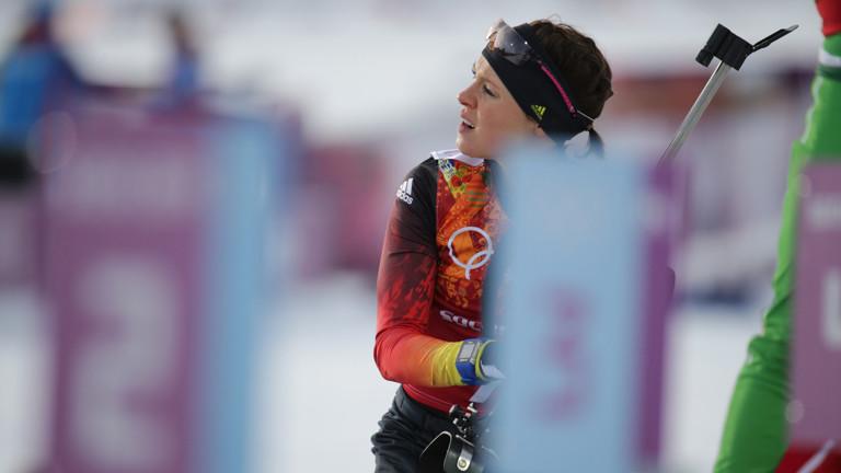 Die Biathletin Evi Sachenbacher-Stehle nimmt am 16.02.2014 an einer Disziplin der Olympischen Winterspiele in Sotschi teil.