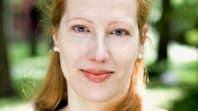 Porträt von Sarah Benz, Trauerbegleiterin
