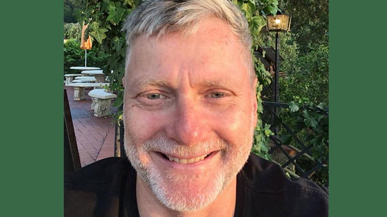 Holger Lück in seinem Garten