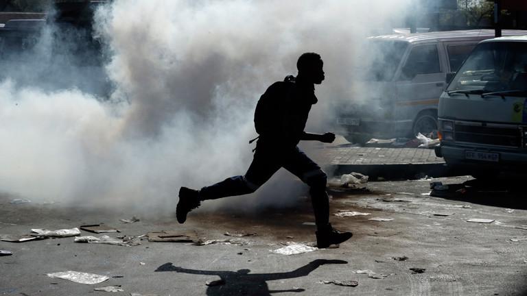 """Gewalt in Südafrika: """"Im Augenblick haben die Menschen richtig Angst"""""""