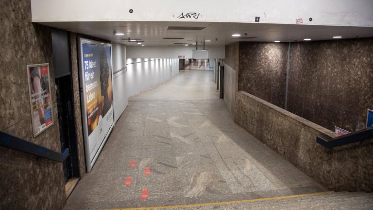 Nachts besonders leer: U-Bahn-Station am Stachus in München am 24.03.2021