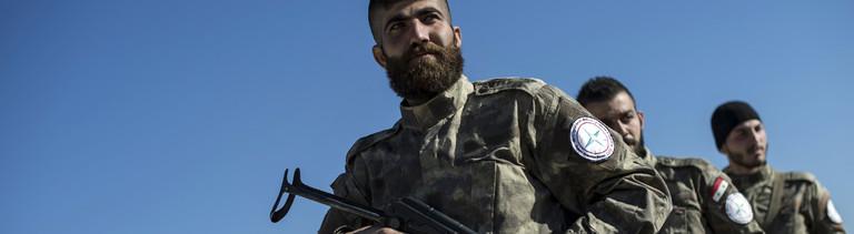 Mehrere Soldaten in Syrien.