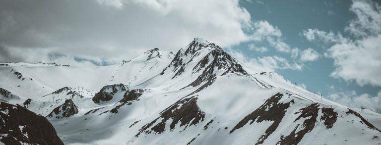 Bergpanorama von Ischgl im Winter