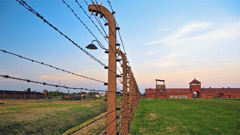 Das Konzentrationslager Auschwitz-Birkenau: Hier und in weiteren Vernichtungslagern wurden während der Nazi-Diktatur massenhaft europäische Juden und andere Minderheiten ermordet