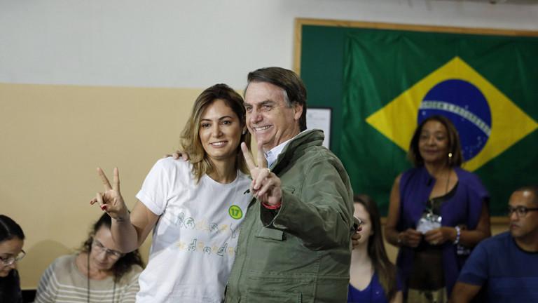 Michelle und Jair Bolsonaro bei der Stimmabgabe am 28. Oktober 2018