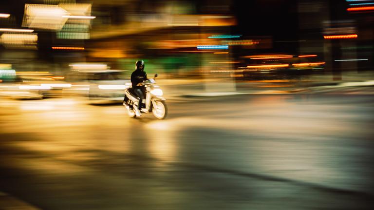 Motorscooter im Stadtverkehr