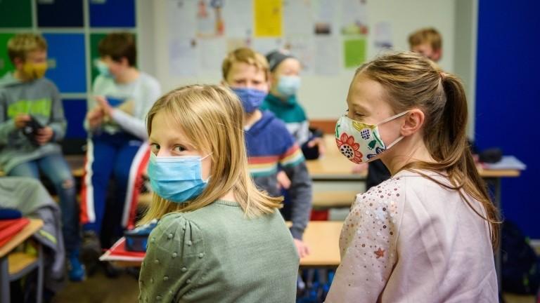 Schülerinnen und Schüler in einer sechsten Klasse der Max-Planck-Schule Kiel