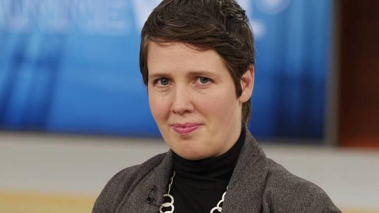 Viola Priesemann, Forschungsgruppenleiterin am Max-Planck-Institut für Dynamik und Selbstorganisation, zu Gast bei Anne Will im Ersten Deutschen Fernsehen.