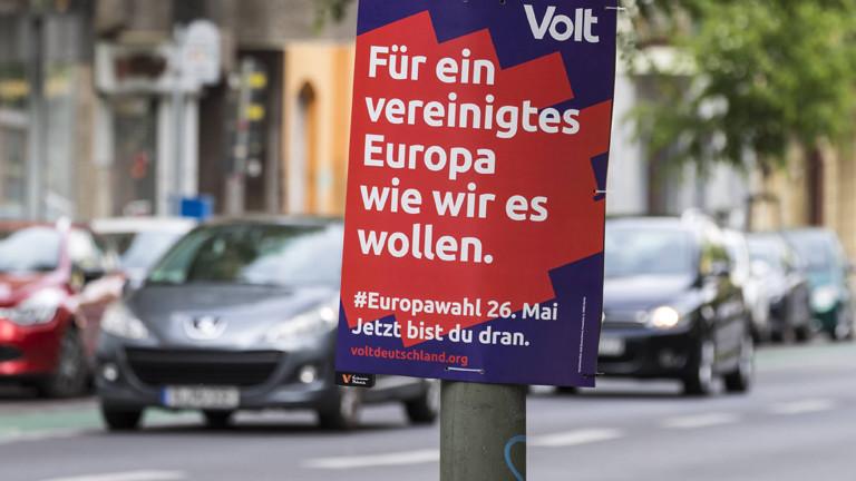 Wahlplakat von Volt