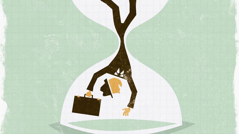 Mann fällt durch eine Zeituhr