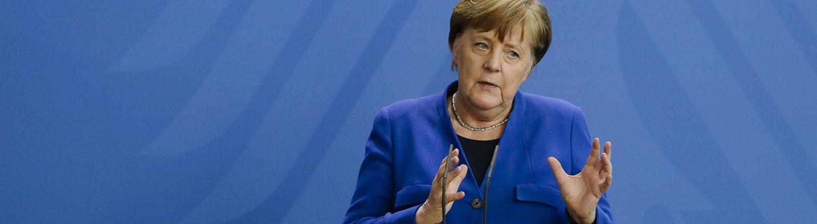 20.04.2020, Berlin: Bundeskanzlerin Angela Merkel (CDU) gibt im Bundeskanzleramt eine Pressekonferenz zu Maßnahmen, die eine weitere Ausbreitung des Coronavirus verlangsamen sollen.