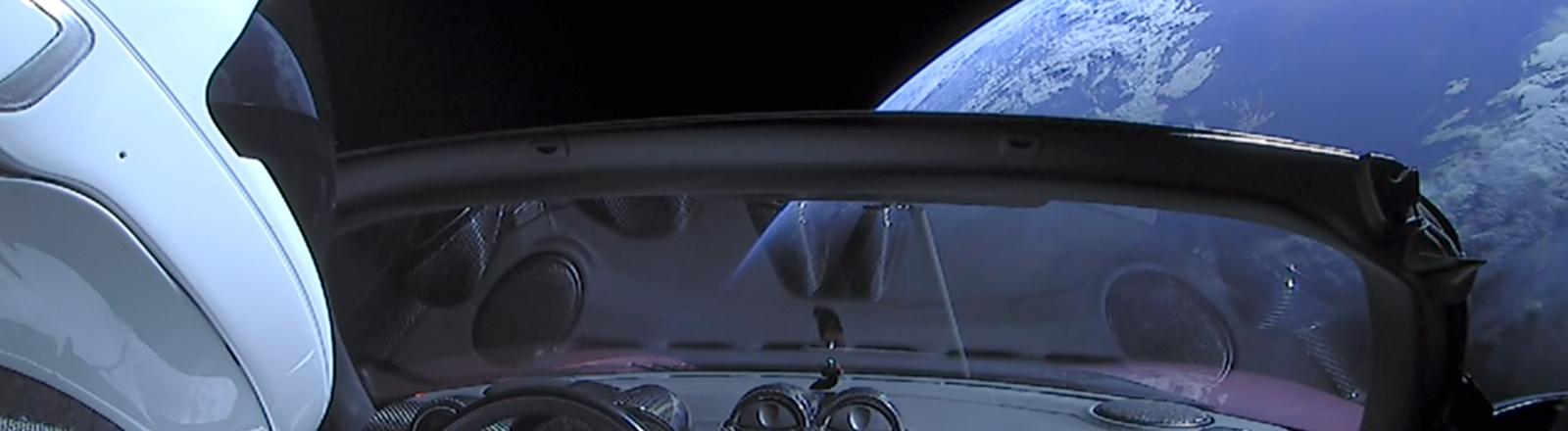 Animation: In einem Auto zum Mond.