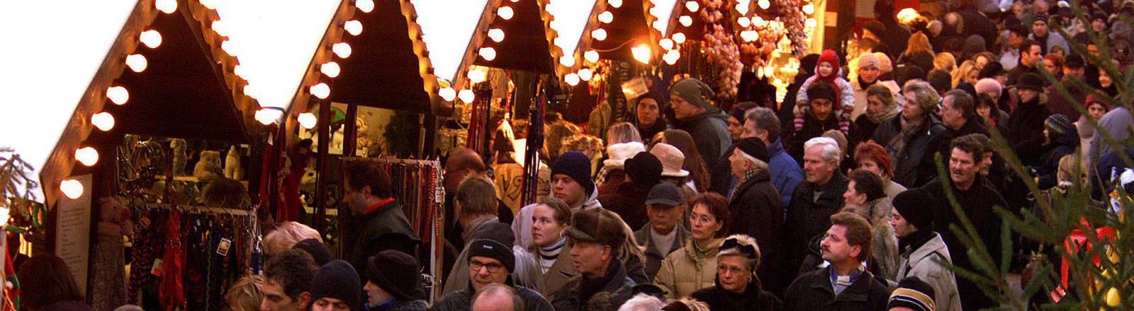 Gedränge auf einem Berliner Weihnachtsmarkt