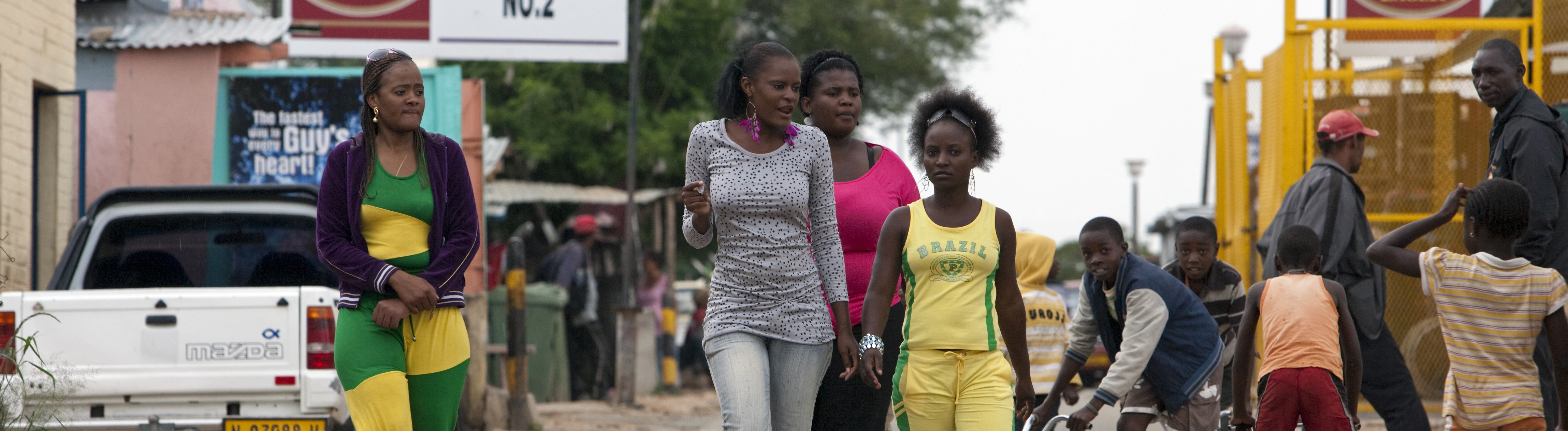 Strassenszene im Stadteil Katutura, dem groessten Township Windhoeks, aufgenommen am 04.02.2013.