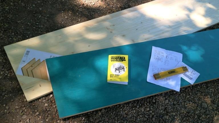 Fichtenholzbrett und Multiplexplatte mit Bastelanleitung