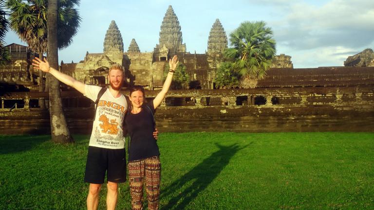 Anne Duchstein & Sebastian Haffner vor den Tempeln von Angkor Wat - Kambodscha