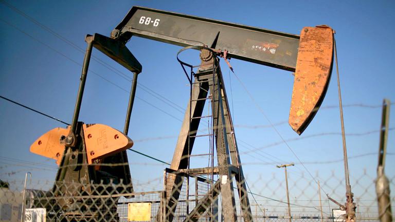 Ölförderturm in der Nähe von LA