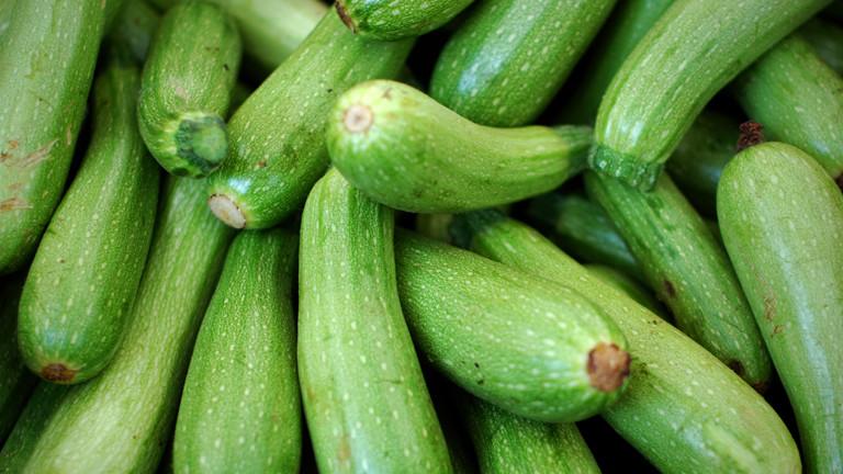 selbstanbau giftige zucchini aus dem garten toedlich dlf nova. Black Bedroom Furniture Sets. Home Design Ideas