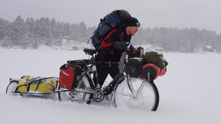 Richard Löwenherz mit seinem Fahrrad in Schweden