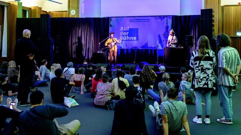"""""""Auf der Bühne""""-Konzert mit L.A.Salami"""
