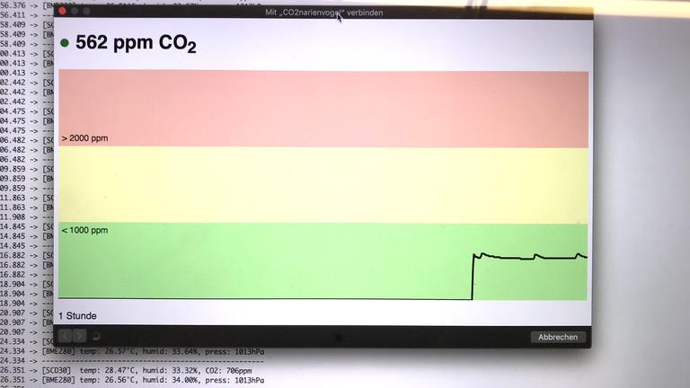 Das zeiget auch die Ausgabe der Messwerte zweier Sensoren, entweder per WLAN oder detaillierter über den seriellen Monitor.