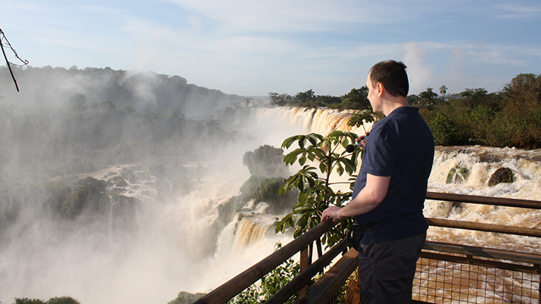 Marcel Franke an den Iguazu-Wasserfällen in Argentinien