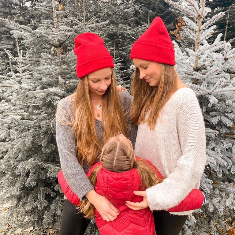Die Zwillinge Lara und Nina mit Lea .