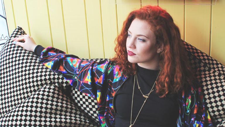 Die Sängerin Jess Glynne ist auf Erfolgskurs.