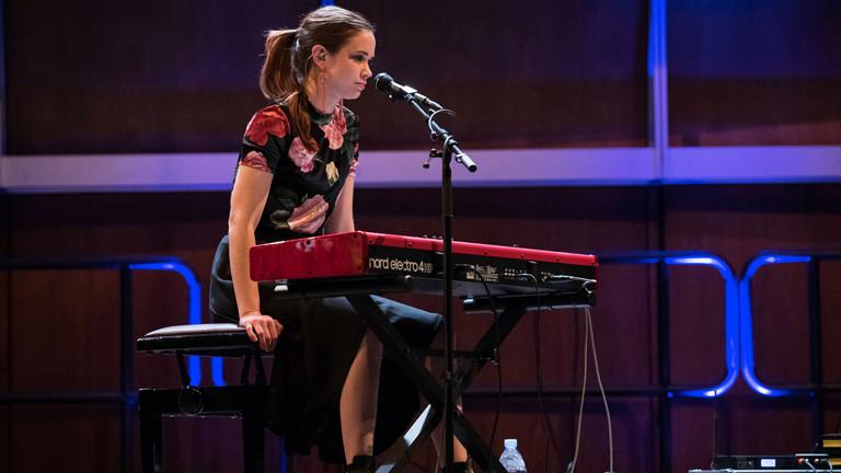 """""""Auf der Bühne"""" am 18.03.2018 mit Kat Frankie und Lilly Among Clouds"""