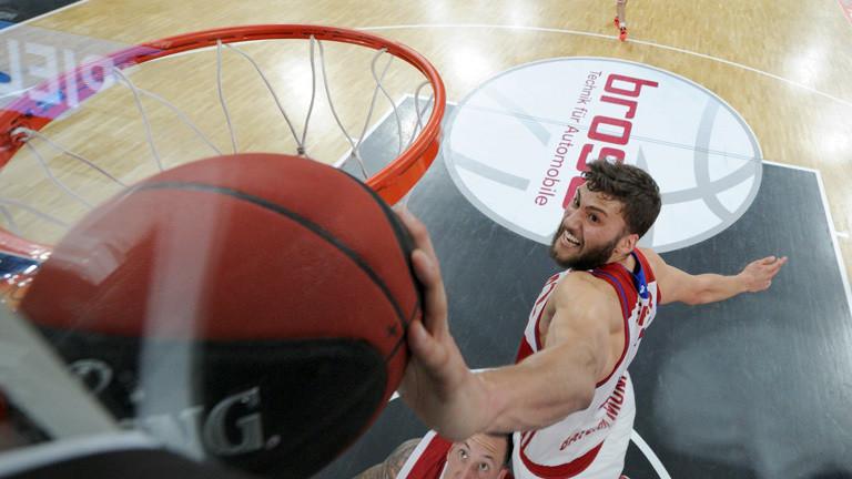 Maximilian Kleber beim Basketballspiel