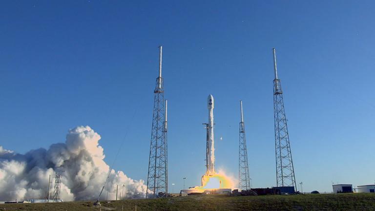 Start der Trägerrakete, die das Weltraumteleskop Tess ins All gebracht hat (Cape Canaveral Air Force Station, USA, 18. April 2018)