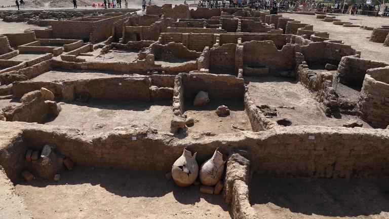 Ruinen der entdeckten Goldenen Stadt in der Nähe von Luxor/Ägypten, 10.4.2021