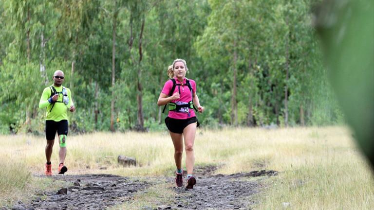 Fiona Kau beim Traillaufen