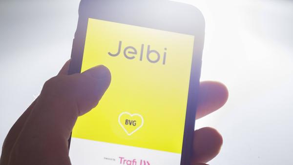 Die App Jelbi auf einem Smartphone