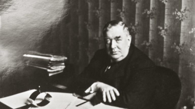 Mordkommissar Ernst Gennat revolutionierte die Kriminalistik, hier an seinem Schreibtisch in der Berliner Mordkommission.