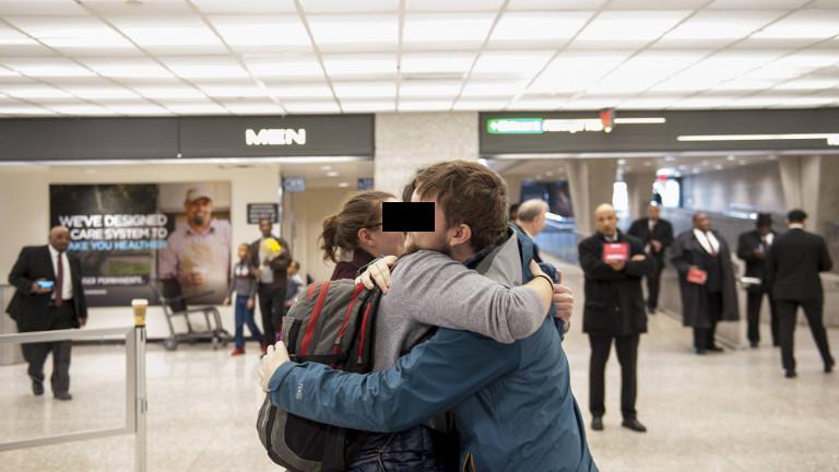 Warten und Rückkehr: Begrüßung am Flughafen