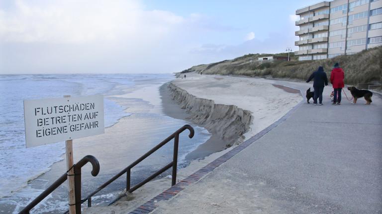 Strandabbruch in Wangerooge – nach den Winterstürmen ein gewohntes Bild auf der Nordseeinsel